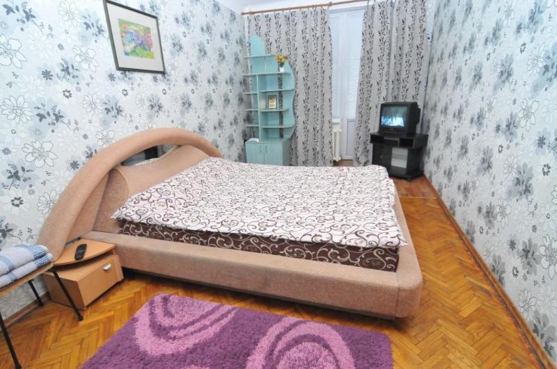 Good apartment in the very Center of Chisinau P23 - Image 1 - Chisinau - rentals
