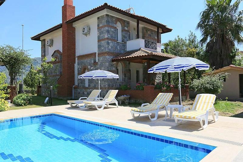 decorated with flowers,shared big pool,english tv,free internet - Image 1 - Dalyan - rentals