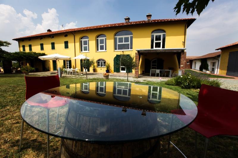 Vineyards all around you: take it easy - Image 1 - Carpeneto - rentals
