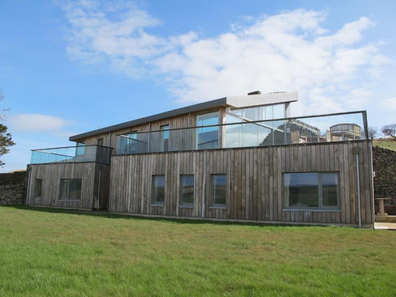 2 Glens Luxury eco Lodge, challet service in a Grand Designs style, sustainable property - Grand Designs Style Luxury Sustainable Eco Lodge - Moniaive - rentals