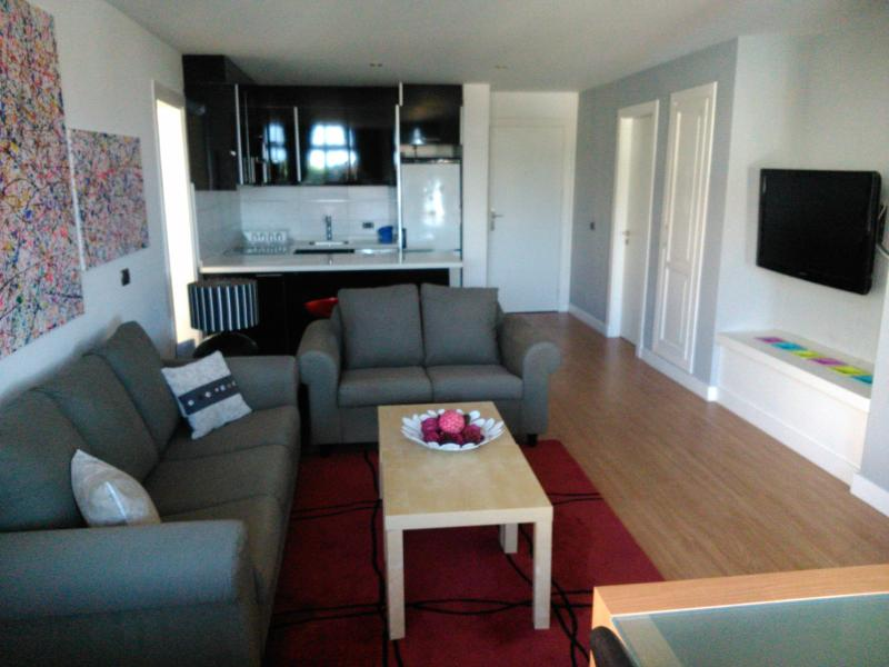 Cosy lounge area with large flat screen T.V. - Modern 2bed apartment - Adeje - rentals