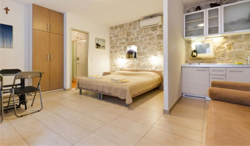 Studio apartment in the center of the Split - Image 1 - Split - rentals