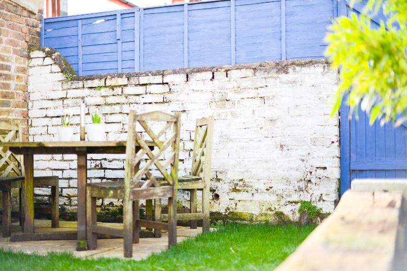 Sunny Garden - Cottage by the Beach - Worthing - rentals