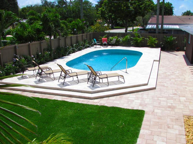 Welcome to Fort Lauderdale Cove! The pool awaits you! - FORT LAUDERDALE COVE!  YOUR OWN SUNNY RESORT+POOL! - Fort Lauderdale - rentals