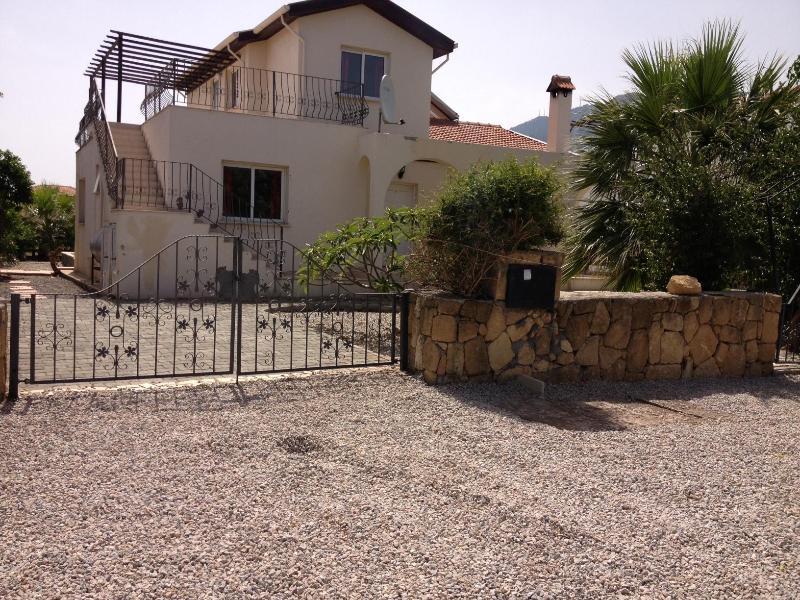 entrance/ front garden - Walkabout Villa Karsiyaka north cyprus - Kyrenia - rentals