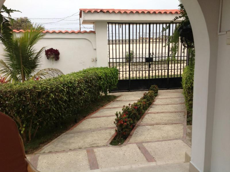 Villa Entrance - Beautiful Salinas Villa - Salinas - rentals