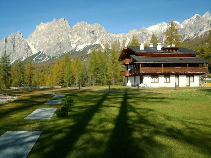 A Nice Place To Live: Romantic Attic + Fireplace - Image 1 - Cortina D'Ampezzo - rentals