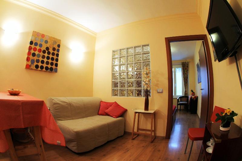Cozy-milan-apartment-centre-with-free-wifi-navigli - Image 1 - Milan - rentals
