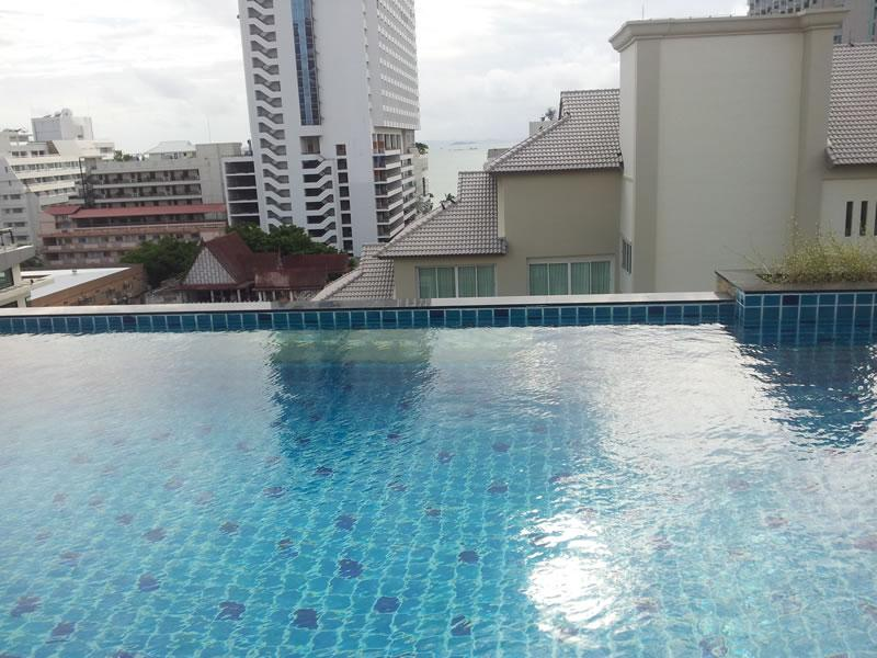 Rooftop Pool - Sixty Six Condominium - Luxury Room - Pattaya - rentals