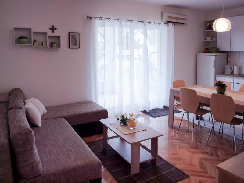 Living and dining area in the Apartment Marija in Srima, Vodice, Croatia - Apartment Marija in Srima, Vodice, Croatia - Vodice - rentals