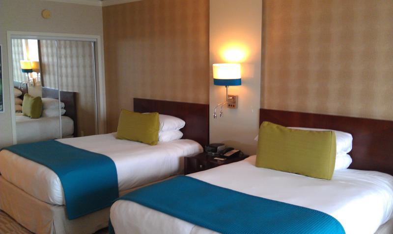 2 Queen Beds - Trump International Studio Deluxe Sunny Isles - Sunny Isles Beach - rentals