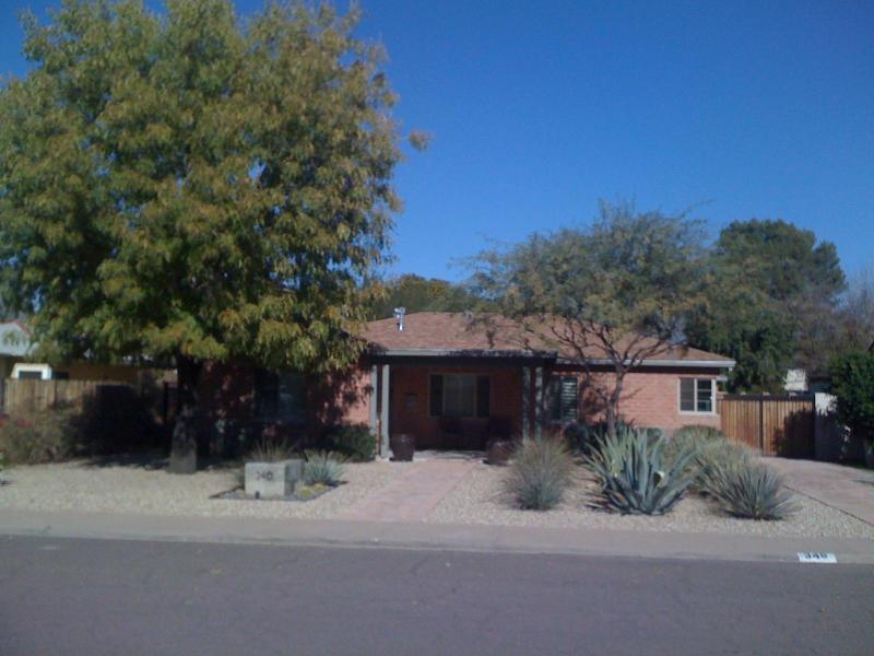 Front of house - Executive Home at Central/Camelback - Phoenix - rentals