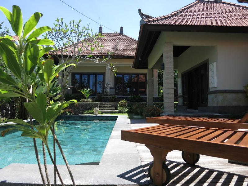 Villa Tianjiao - Swimming Pool with Sunbeds and Deck - Villa Tianjiao - Flower Room (Aircon+Pool+Wifi) - Canggu - rentals