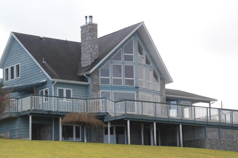 Azure Blue Beach House ~*~ Near By Telegraph Cove - Image 1 - Port McNeill - rentals