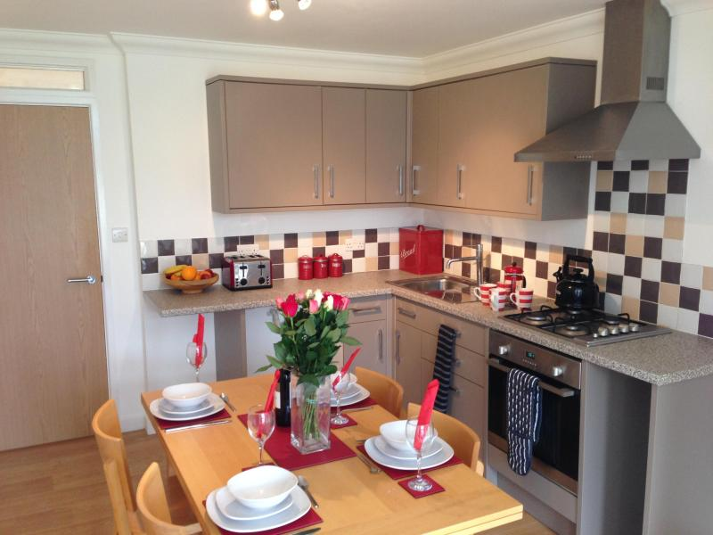 Superb Garden Apartment That Sleeps Up To 5 Sleeping Guests In Worthing - Image 1 - Worthing - rentals