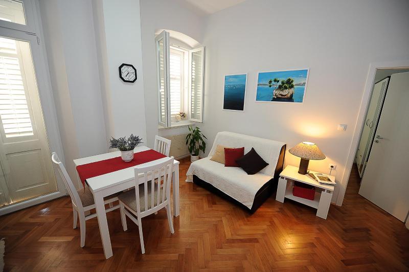 Zadar City Apartments - Apartment BUENA VISTA - Image 1 - Zadar - rentals