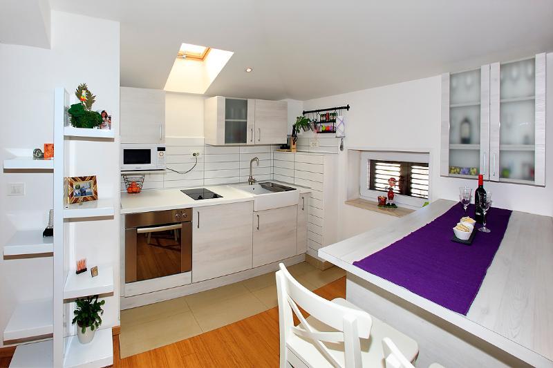 Zadar City Apartments - Apartment PETIT - Image 1 - Zadar - rentals