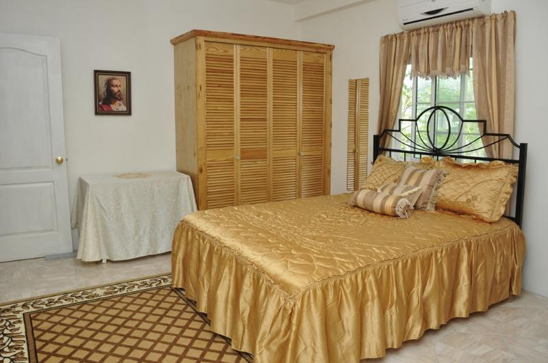 Second Bedroom - Queen size bed - Welcome to Windmill Villa!  Your  home away from home. - Carriacou - rentals