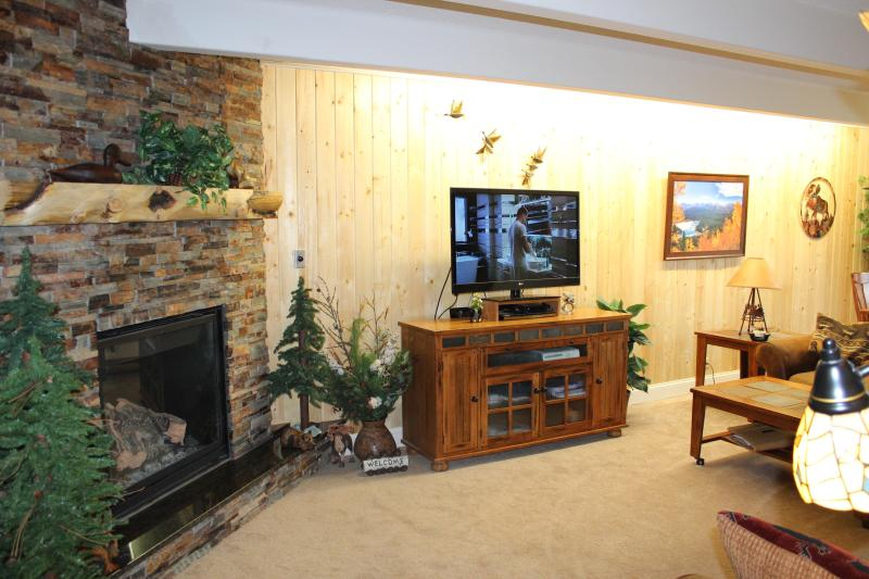 Livingroom w indirect light and 3D TV - Best Value, Location, Views, Luxury and Convenience Newly Upgraded! - Breckenridge - rentals
