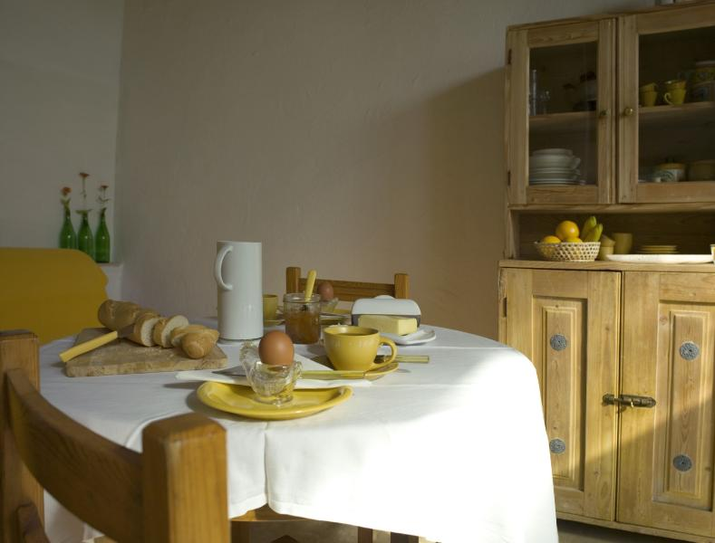 Countryhouse Villa La Rogaia Umbria, Apartment La Grapo, dining area - Sunny 1 bedroom holiday rental at Lake Trasimeno - Castel Rigone - rentals