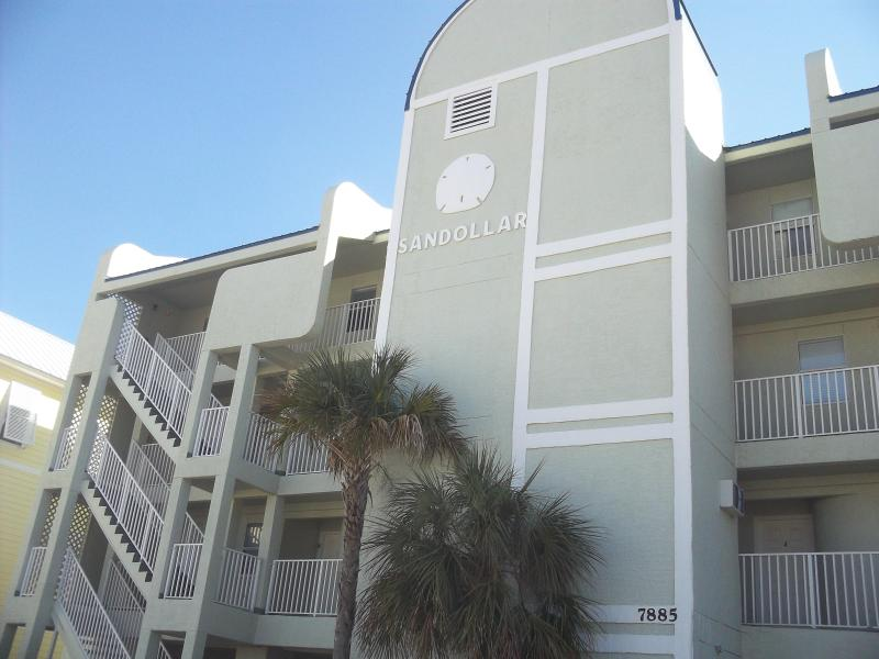 Front view - Navarre Sanddollar Penthouse East end GULF FRONT - Navarre - rentals