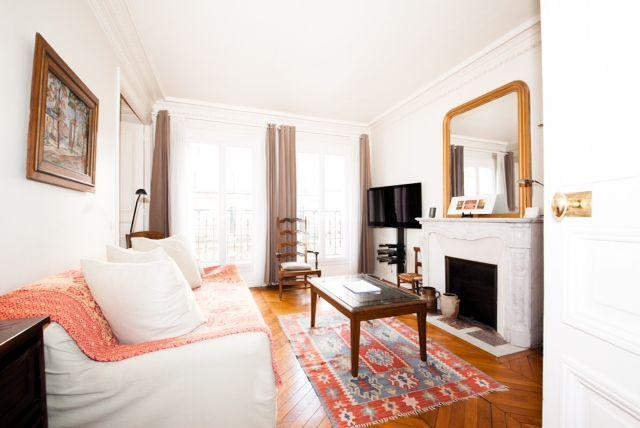 Typical Parisian Vacation Rental in Paris - Image 1 - Paris - rentals