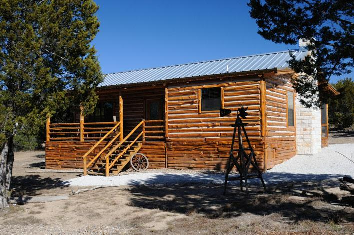 New, luxurious cedar log cabin in the heart of the Texas Hill Country - Dream Away Cabin, Log home, 2BR/2BA, Canyon Lake - Canyon Lake - rentals