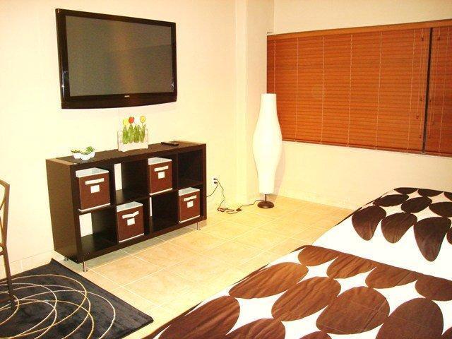 MIAMI BEACHFRONT CONDO+POOL+PARKING+WIFI!! 519 - Image 1 - Miami Beach - rentals