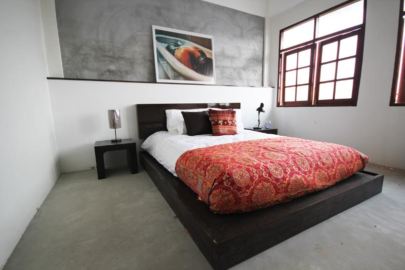 Queen Guest Room - New Boutique B&B in Downtown, near River & BTS - Bangkok - rentals