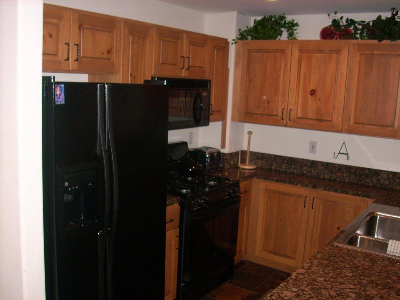 kitchen area - Rocky Mountain 2 Bedroom Condo with Loft - Edwards - rentals