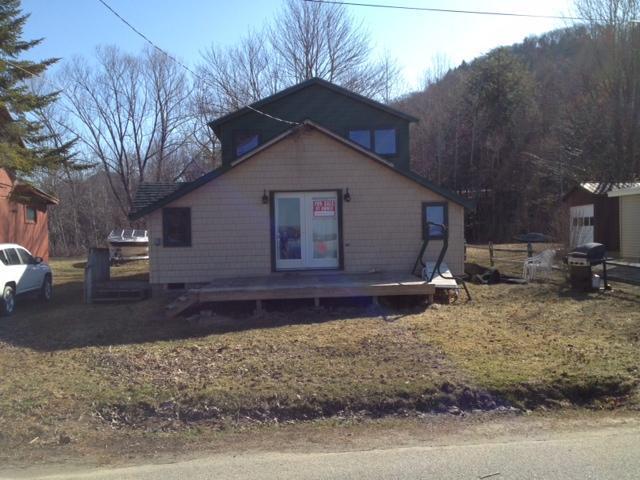 The front Yard - Canada Lake Cottage - Caroga Lake - rentals