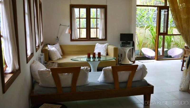 Large Self Contained Studio. Seminyak Area - Image 1 - Karang Bolong - rentals