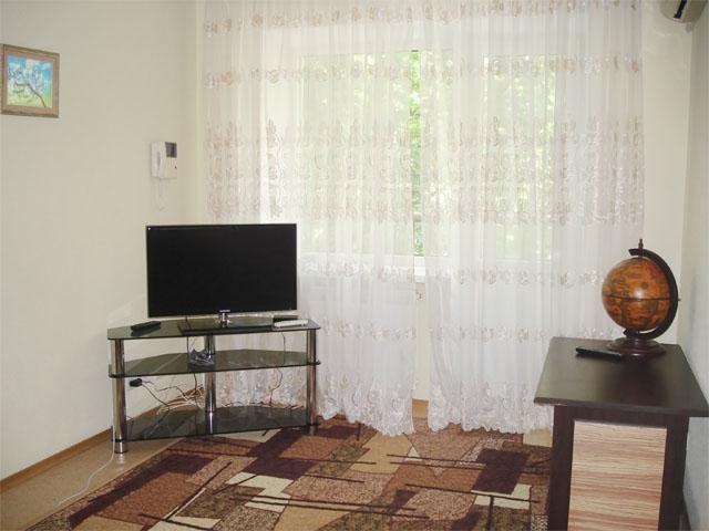 apartment on Pushkin Boulevard - Image 1 - Donetsk - rentals