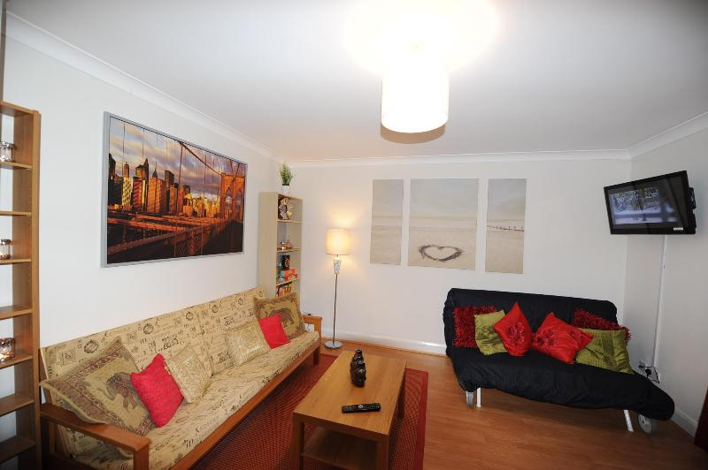 Wonderful Beautiful Apertment Central London-FL6 - Image 1 - London - rentals