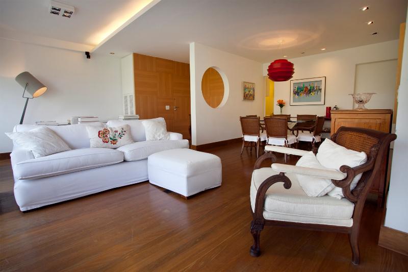 Beautiful 3 Bedroom Apartment in Leblon - Image 1 - Rio de Janeiro - rentals