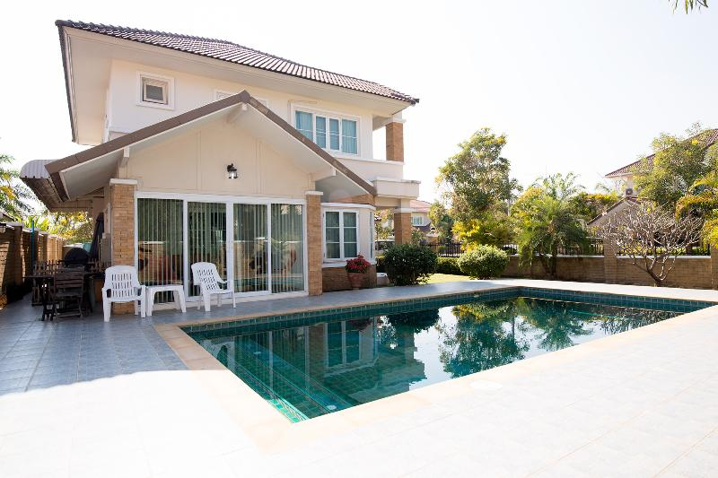 Side of our house with large private pool - HOUSE + PRVT.POOL +  FREE CAR AND DRIVER +  MAID - Chiang Mai - rentals