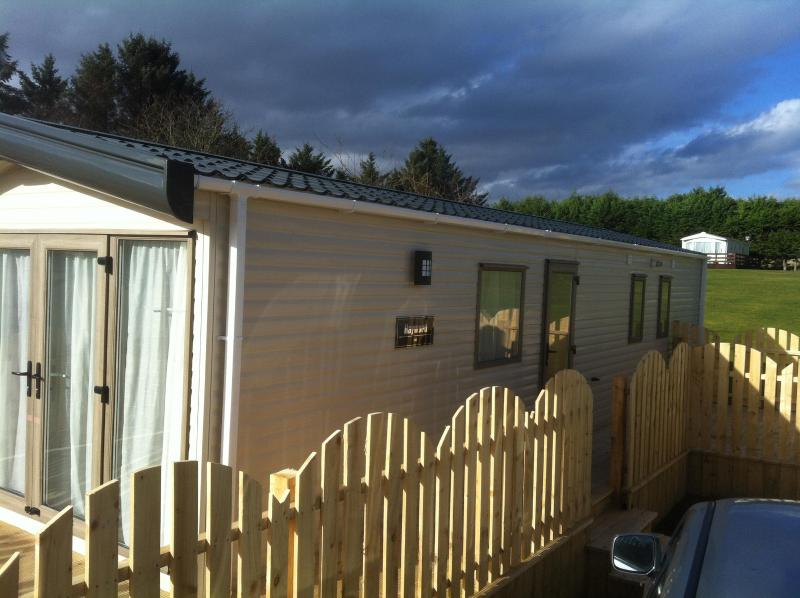 Side Entrance - Static Caravan 31 For Rental In Scottish Highlands - Dornoch - rentals