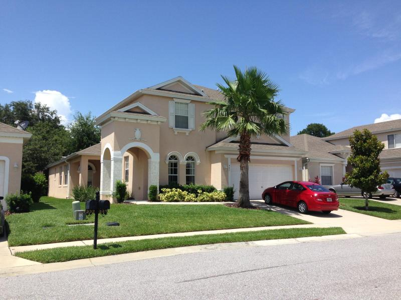 Amazing 5 Bed 4 Bath Villa & Private Heated Pool - Image 1 - Haines City - rentals