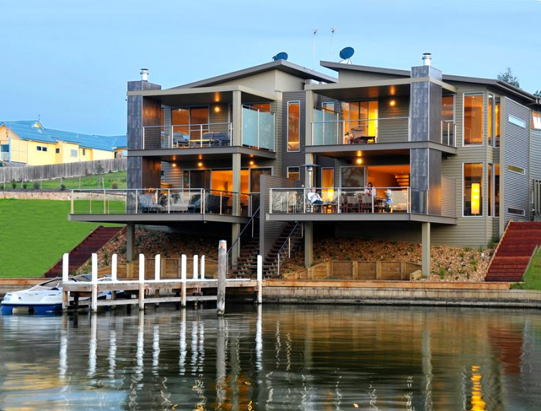 Waterfront View - Luxury Waterfront Accommodation with Private Jetty - Paynesville - rentals