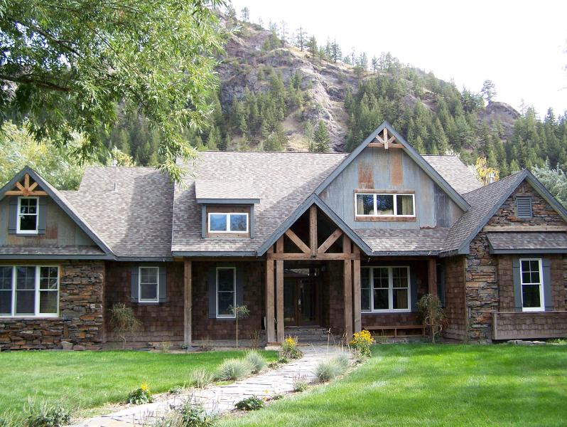 Flatwater Lodge - Front - Flatwater Lodge on the Missouri River, Montana - Craig - rentals