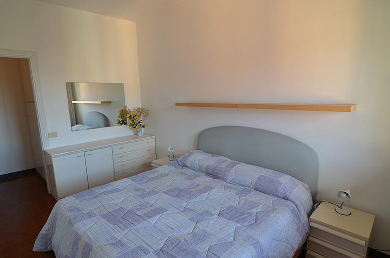 Brand  new 1  bdr+ 1  room  with  sofabed apartment  with  private  parking ,100  meters  from  the  beach!! - Image 1 - Levanto - rentals