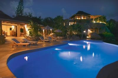 Wonderful 4 Bedroom Villa with Private Terrace in Little Trunk Bay - Image 1 - Little Trunk Bay - rentals
