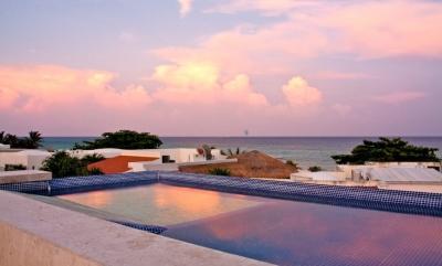 Lovely 5 Bedroom Villa with Private Pool & Deck in PLaya del Carmen - Image 1 - Playa del Carmen - rentals