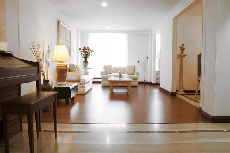 Classic 3 Bedroom Apartment in Santa Barbara - Image 1 - Bogota - rentals