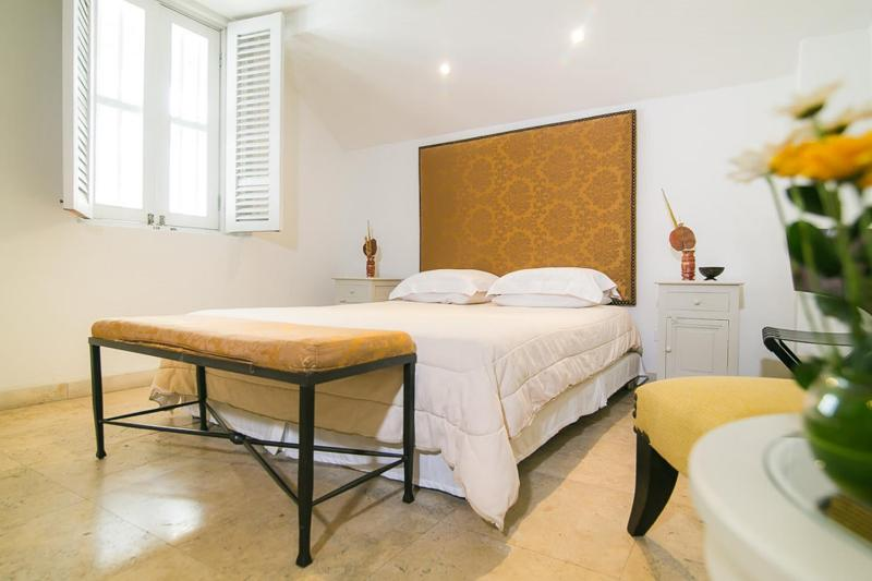 1 Bedroom in a Luxurious Home in Old Town - Image 1 - Cartagena - rentals