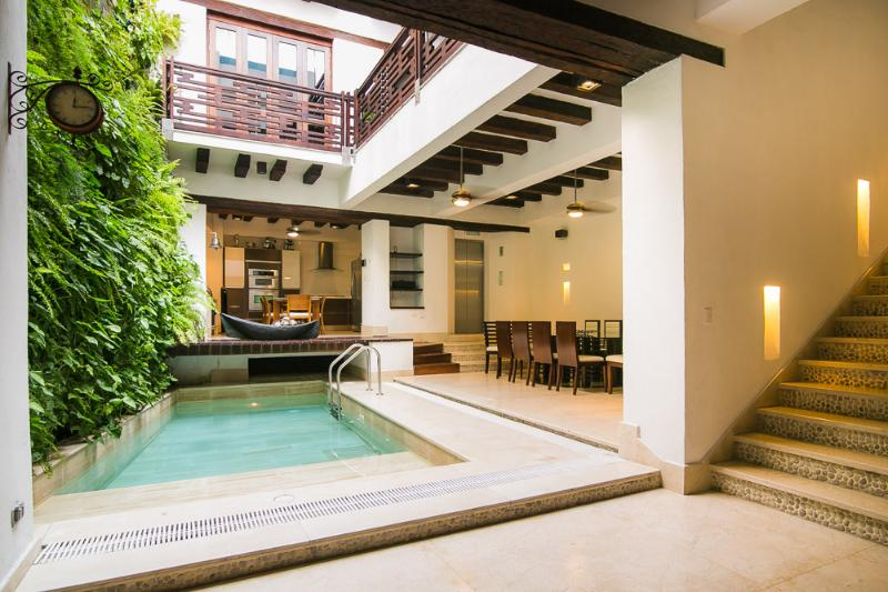 Palatial 4 Bedroom Home in Old Town - Image 1 - Cartagena - rentals
