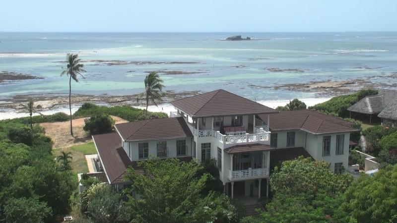 Heavenly House sits on the beach in Watamu - Heavenly House, spectacular beachfront in Watamu - Watamu - rentals