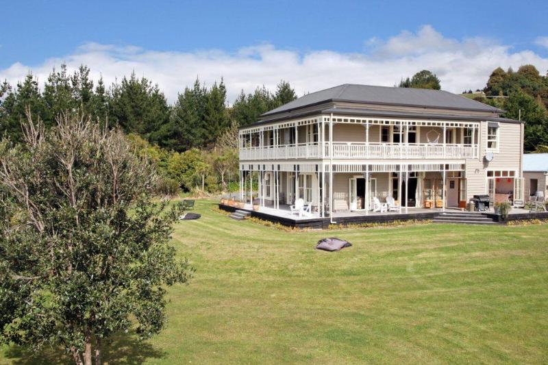 Clevedon Villa  Auckland New Zealand - Image 1 - Clevedon - rentals