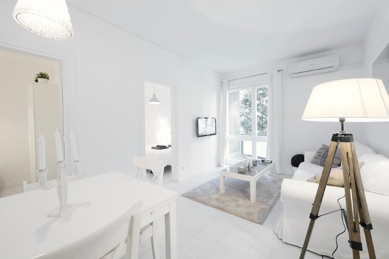Living Room - White Flat G15 - Barcelona - rentals