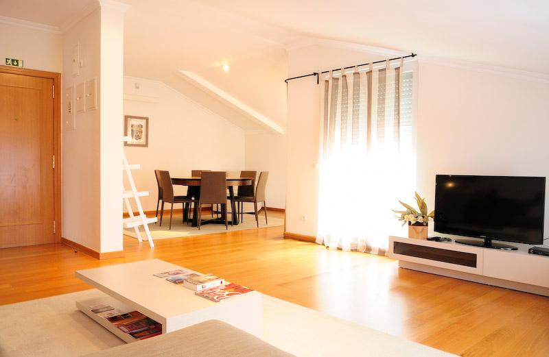 Luxury 3 Bed Room Apartment with terrace - Image 1 - Lisbon - rentals